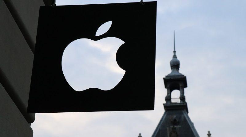 Apple aplikację śledzącą policję